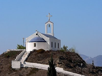 http://rua.gr/images/stories/travel/4/panagia_h_gremniwtissa.jpg