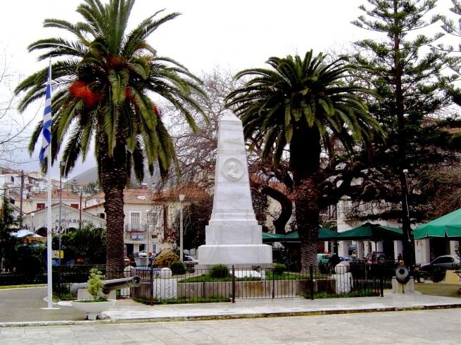 Памятник трем адмиралам в Наварине