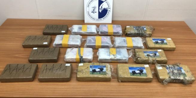 22 кг кокаина обнаружено в грузовике, следовавшем из Италии в Патры