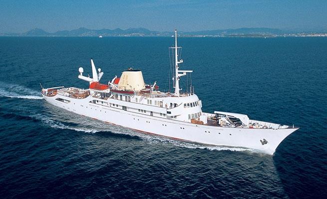 Легендарная яхта Аристотеля Онассиса сдается напрокат за ...
