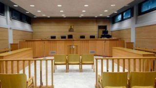 Работа судов приостановлена  до 10 апреля
