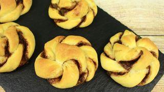 Дрожжевые булочки с нутеллой