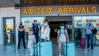Греция приравняет «Спутник V» к европейским вакцинам для въезда туристов из РФ