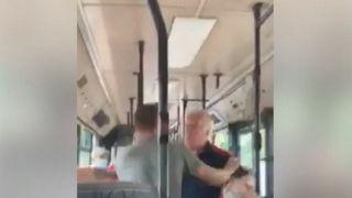 Драка в автобусе из-за маски