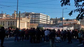 Студенческий митинг заблокировал центр Афин