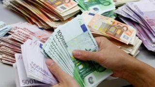 Поддельные купюры на сумму 12.000 евро обнаружены у итальянского туриста
