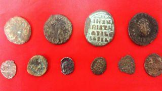 Салоники: два ареста за хранение старинных монет