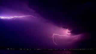 Греция: Тысячи разрядов молний всего лишь за сутки!