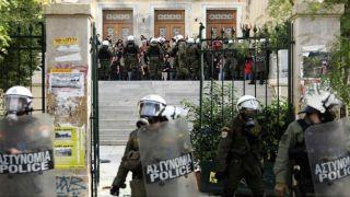 Студенты протестуют против выселения анархистов из Университета экономики и бизнеса