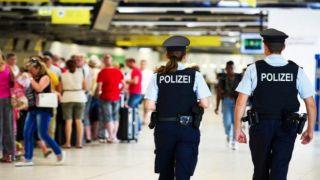 Греков подвергают усиленным проверкам в немецких аэропортах