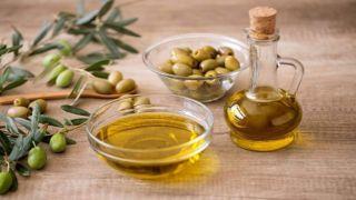 США вернула таможенные льготы на греческое оливковое масло, сыр, вино