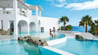 Греческие отели подешевели на 25-50%