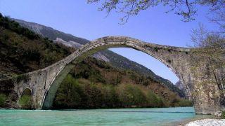 Исторический мост Плака восстановлен