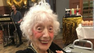 102-летние победительницы коронавируса