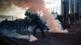 Пятеро арестованных после митинга протеста по Джорджу Флойду в Афинах