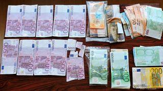Греция: Арестован за распространение поддельных банкнот 500 евро