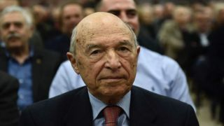 Бывший премьер-министр Костас Симитис раскритиковал тактику правительства