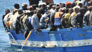 Греция: Резко увеличилось число прибытия мигрантов и беженцев