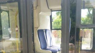 Пассажир автобуса разбил стекло двери, потому что... решил выйти