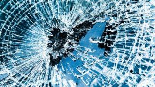Изрешетили пулями автомобиль в центре Афин