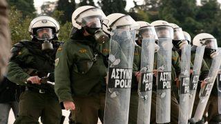 Из-за протестов по Куфодинасу в Греции введено «военное положение»