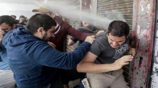 Работники сферы питания и туризма атаковали Министерство труда