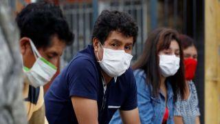 Опрос: 7 из 10 граждан обеспокоены пандемией