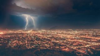 Непогода в субботу: грозы, шторм и африканская пыль