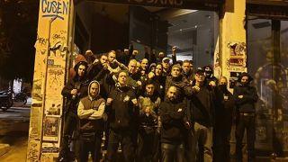 Пока молодые анархисты дрались с полицией, их старшие коллеги грабили магазины