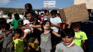 Камена Вурла: местные жители не пропустили грузовик с продуктами для несовершеннолетних детей-беженцев