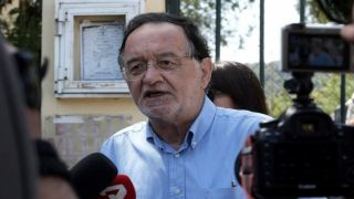 Главу греческий партии «Народное единство» обвинили в хранении оружия