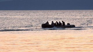 Береговая охрана Греции открыла огонь по лодке с мигрантами