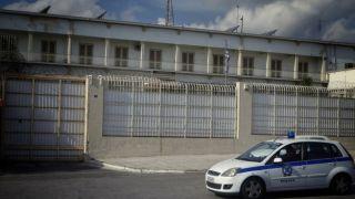 Пирушка албанских зеков в тюрьме Коридаллос