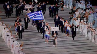 Греция возглавила парад спортсменов на церемонии открытия летних Олимпийских игр в Токио