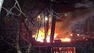 Турецкие полицейские сожгли лагерь беженцев в Кастанье