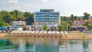 Отельер предоставит семьям греческих врачей бесплатный отдых на своих курортах