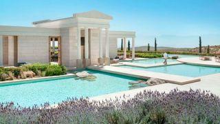Греция: гостиницы будут открываться в три волны