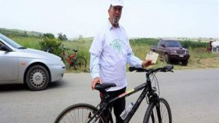 82-летний житель Крита имеет водительские права на… велосипед!