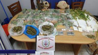 Эгина: в доме местного жителя обнаружены наркотики, оружие, древности
