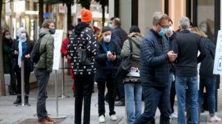 Чем больше всего интересуются греки в сезон скидок