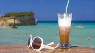 Кофе на пляжах легализовали