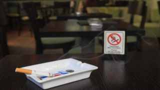 Число проверок по исполнению запрета на курение - утроилось