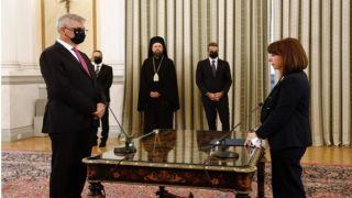 Греция: новый кабинет министров приведен к присяге
