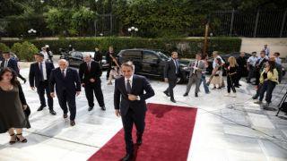Правительство Греции приняло присягу