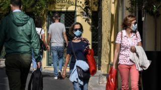 Полиция Греции: 1355 нарушений за неиспользование маски за сутки