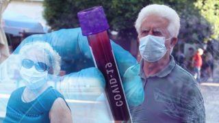Коронавирус: 4165 новых случаев, 25 смертей, 380 интубированных