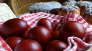 Великий Четверг: Время красить пасхальные яйца