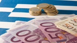 Дыра в бюджете Греции продолжает расти