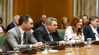 Котзиас обвинил Камменоса в подрыве греческой позиции по сделке с именем Македонии