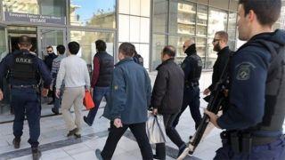 Греция:суд перенес заседание по экстрадиции восьми турецких военных